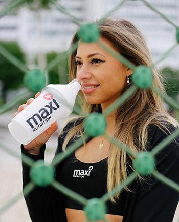 Maxinutrition-Isotonisches getraenk_Frau